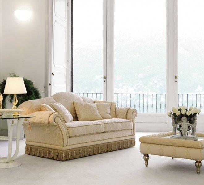 Glicine divano classico in tessuto damascato | PIGOLI Made in Italy