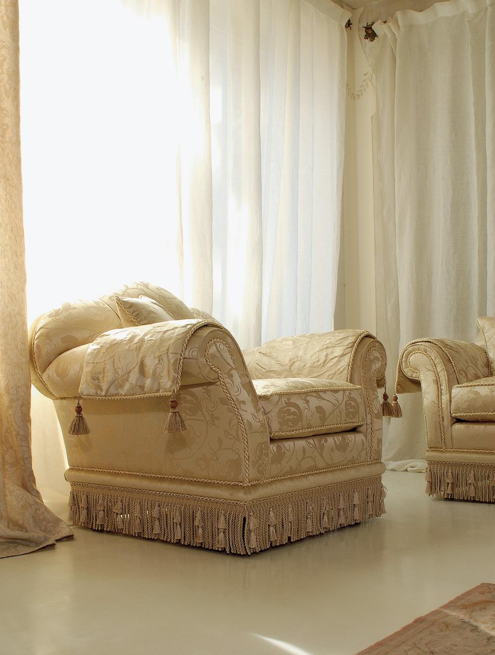 Tessuti Per Divani Classici.Glicine Divano Classico In Tessuto Damascato Pigoli Made In Italy