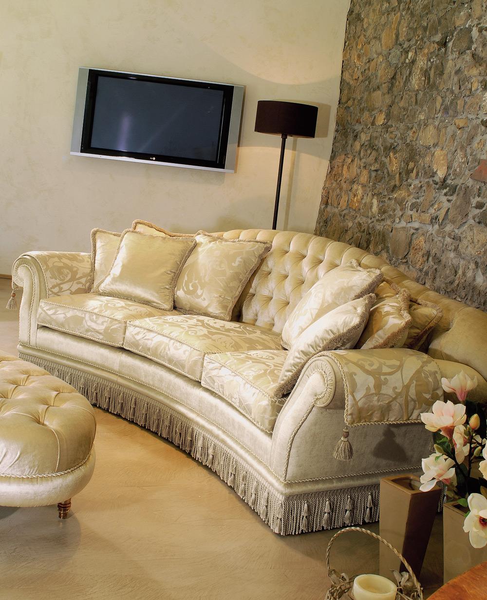 Divani classici in tessuto damascato elegant centro - Tappezzare divano ...